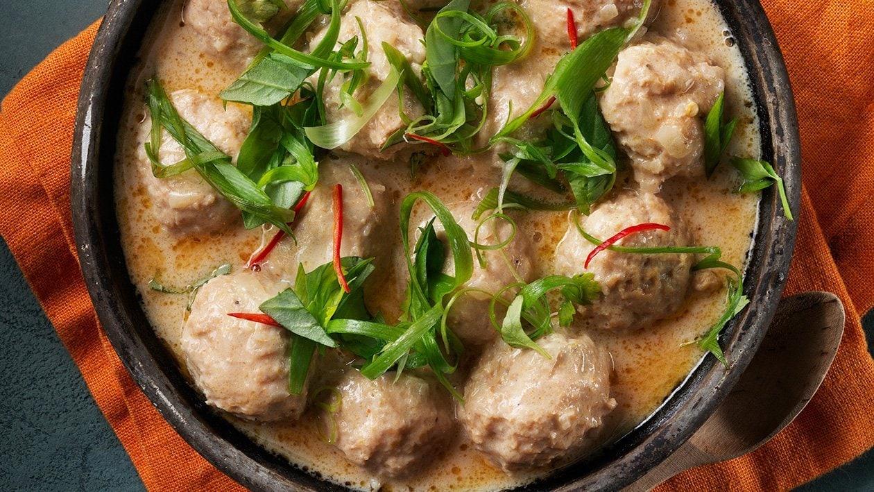 Kycklingfärsbullar med thailänsk Panangsås