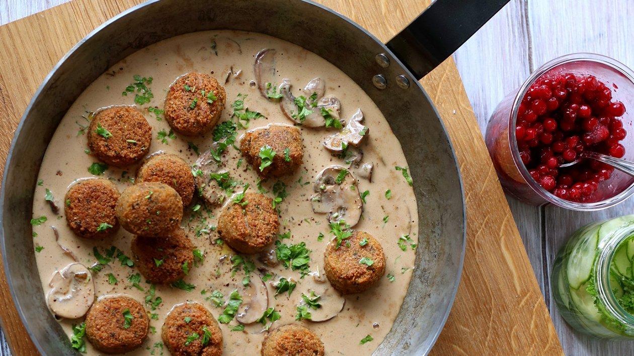Falafel i gräddig svampsås